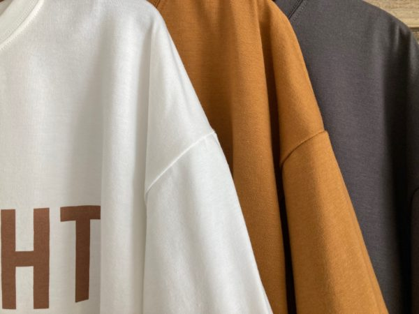 ロゴプリントTシャツ/アップ