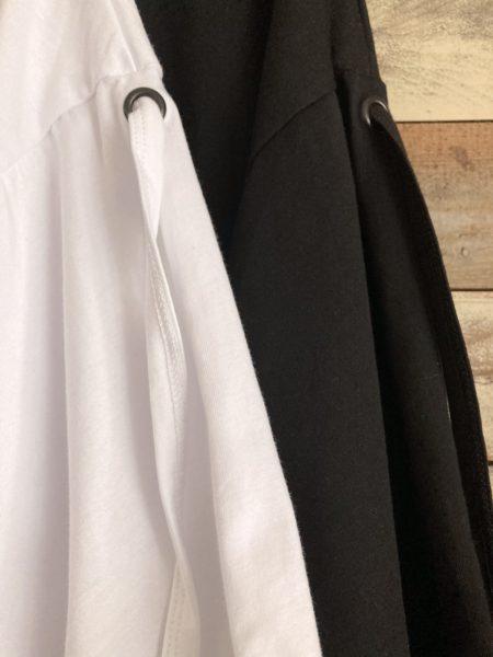 『LOOSE LOGO T-SHIRT』/『ルーズロゴTシャツ』/アップ/AULA AILA(アウラアイラ)