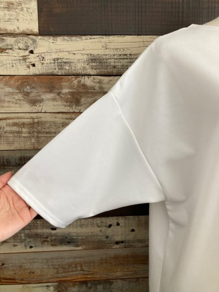 『スナップスリットロングTシャツ』袖アップ/OSMOSIS(オズモーシス)