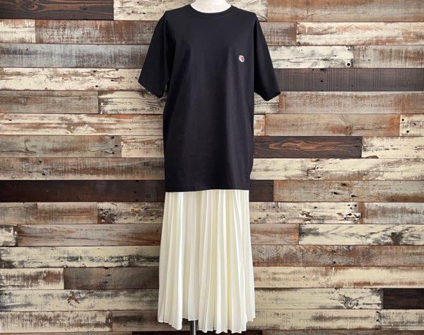 AULA AILA(アウラアイラ)/フルーツオブザルーム×AULA AILAコラボTシャツ/ブラックコーディネート