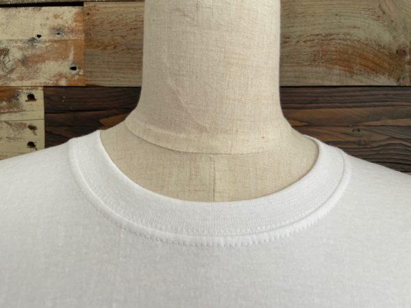 AULA AILA(アウラアイラ)/フルーツオブザルーム×AULA AILAコラボTシャツ/ホワイトネックライン