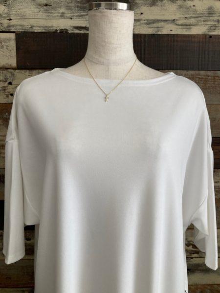 『スナップスリットロングTシャツ』ネックライン/OSMOSIS(オズモーシス)