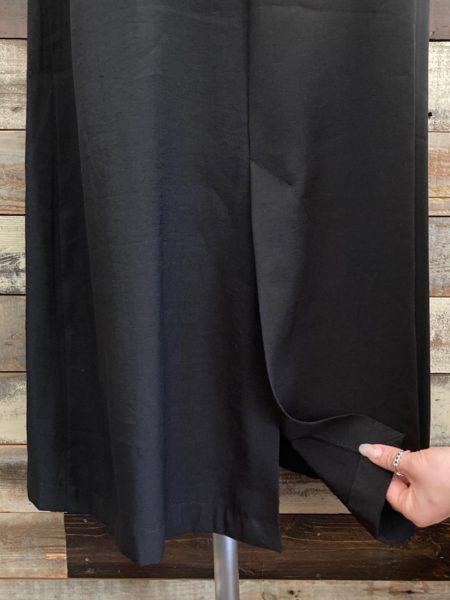 アシンメトリージャンパースカート/OSMOSIS(オズモーシス)/裾アップ