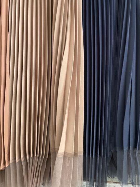 ウエストリブ配色プリーツスカート/裾アップ
